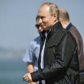 PRIJATELJI, BRAĆO, KUMOVI Putin samo njima veruje: S jednim je muvao devojke, drugom se ispoveda, a treći su EKIPA IZ KGB