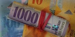 Spłacający kredyty stoją przed trudnym wyborem