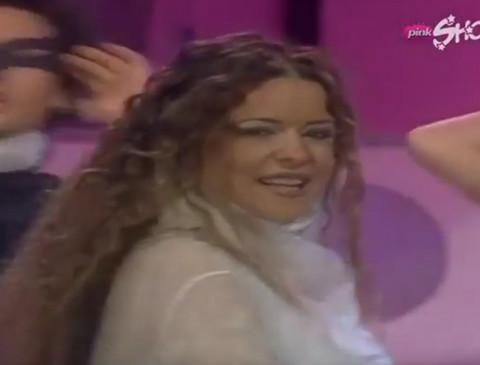 Ona je bivša devojka Željka Joksimovića, pevačica MOĆNOG glasa, povukla se sa scene, a danas izgleda ovako! FOTO