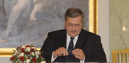 Komorowski w Chinach. Złożył kondolencje w ambasadzie Czech