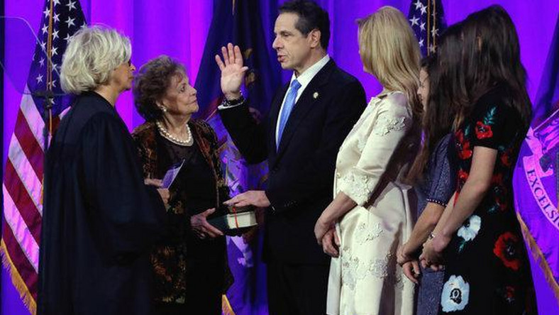 At inauguration, Cuomo rallies state against Trump