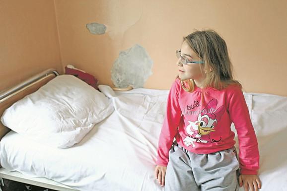 Operacija: Natalija ima problem sa strabizmom