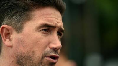 Non-league Barnet sack head coach Harry Kewell