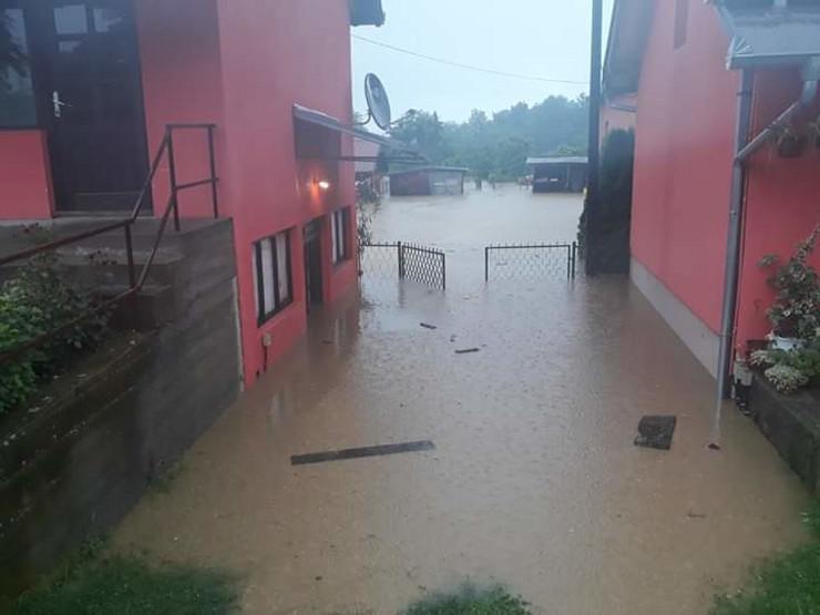 Gruža poplava
