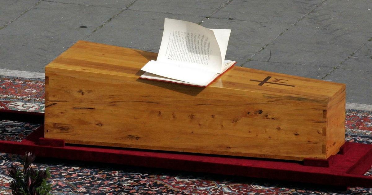 Rocznica pogrzebu Jana Pawła II. Te zjawiska nie przestają szokować