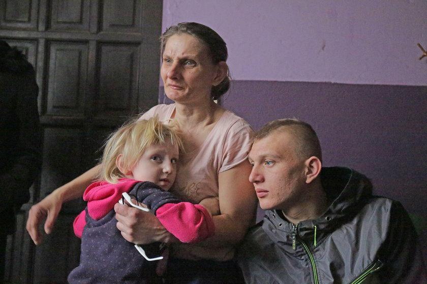 Szczęśliwa mama 15 dzieci - rodzina zostaje razem!