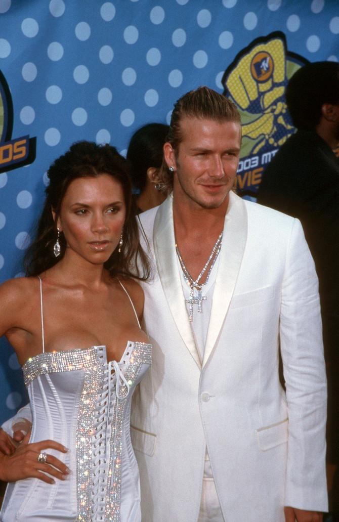 "Viktorija i Dejvid Bekam 2003. na dodeli ""MTV filmskih nagrada"" u Los Anđelesu"