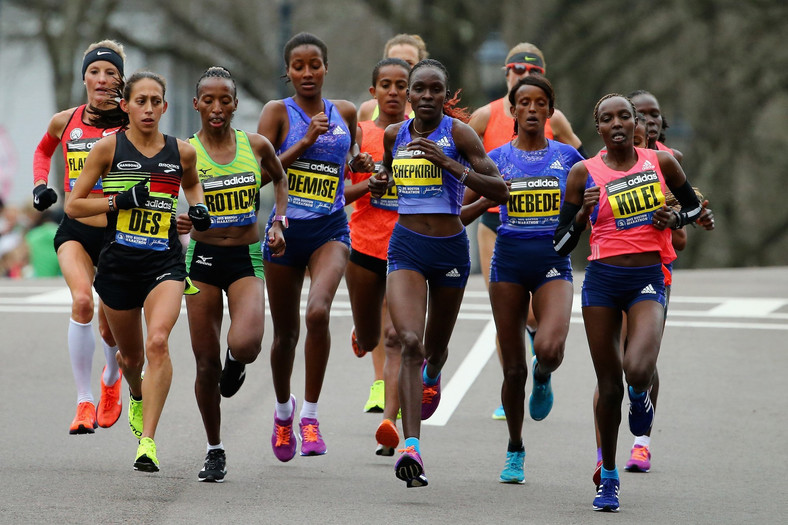 desiree linden boston marathon 2015