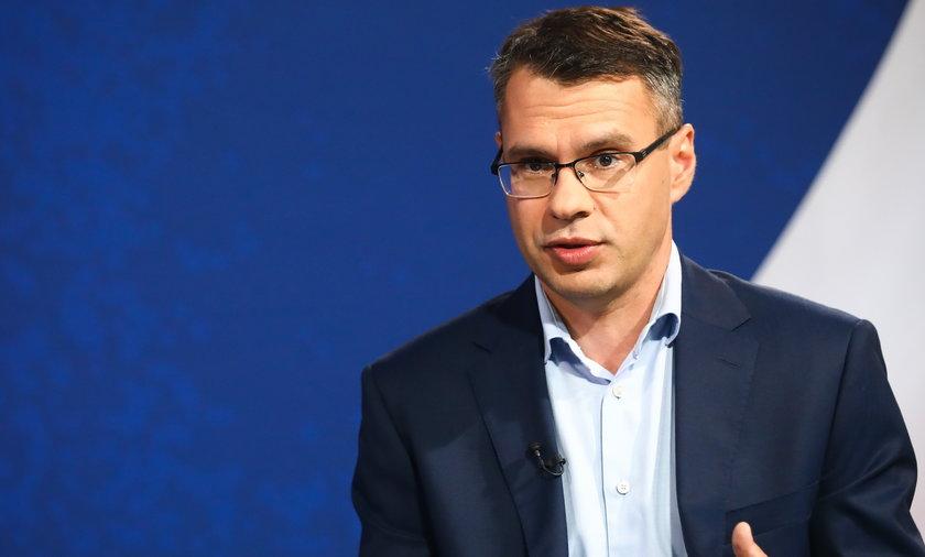"""Na zdjęciu: Michał Karnowski na konwencji programowej PiS """"Myśląc Polska""""."""