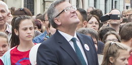 Prezydent Komorowski robi sobie słitfocie w Poznaniu!