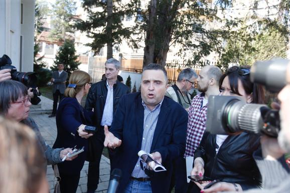 Draganu Vučićeviću nije dozvoljeno da uđe na konferenciju za štampu