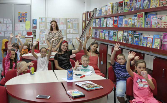 U Dečjoj biblioteci