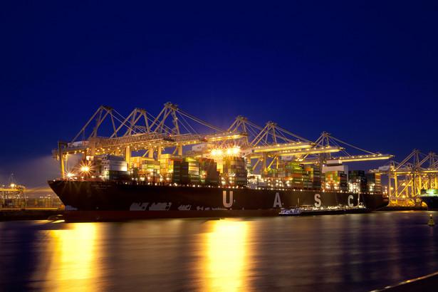 Miejsce 10. Holandia Holandia zajęła pierwsze miejsce w kategorii infrastruktury portowej, jak również w kategorii jakości dostaw energii elektrycznej. (na zdjęciu: port w Rotterdamie, Holandia)