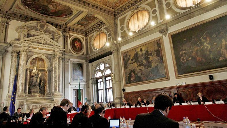 Komisji Weneckiej złoży wizytę w Polsce