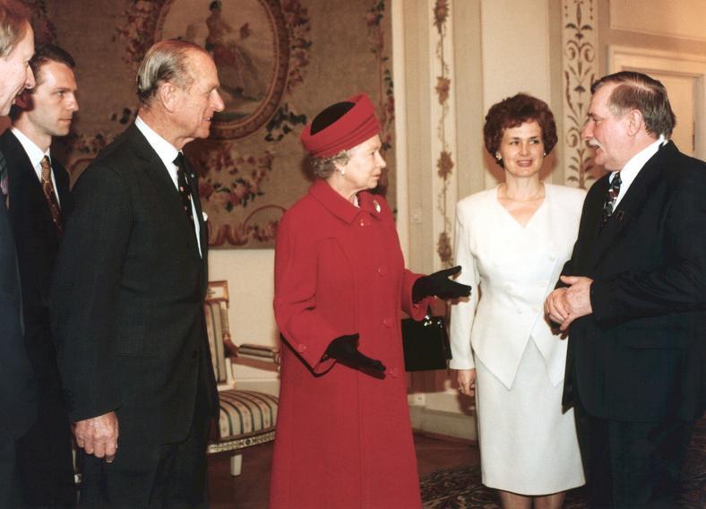 Książę towarzyszył królowej Elżbiecie podczas wizyty w naszym kraju w 1996 roku