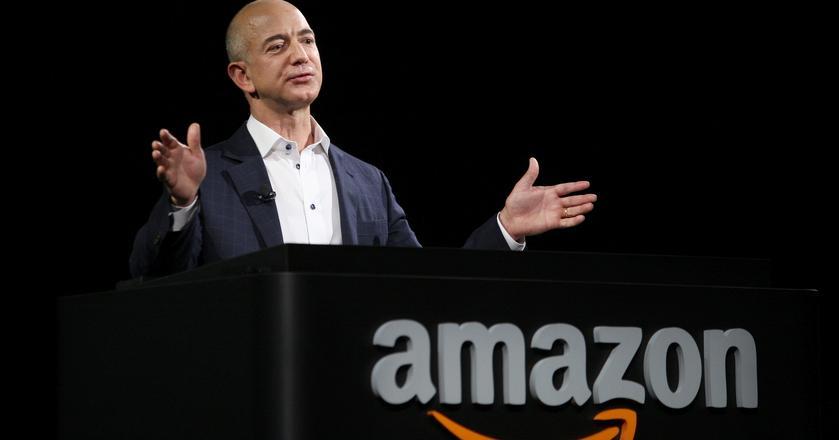 Kierowany przez Jeffa Bezosa Amazon przekształcił się z internetowej księgarni w giganta działającego w wielu branżach