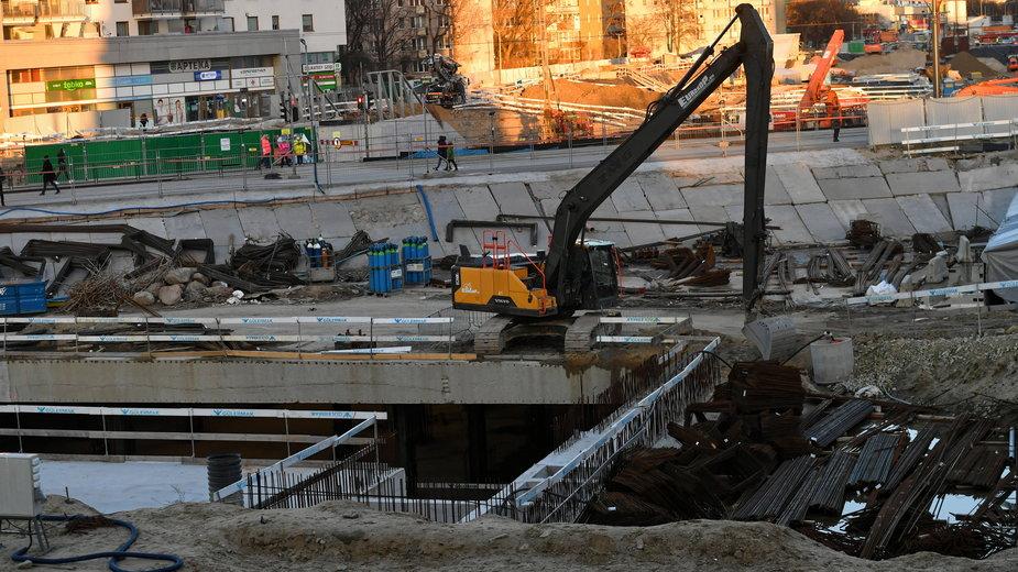 Wypadek na budowie drugiej linii metra. Jedna osoba nie żyje