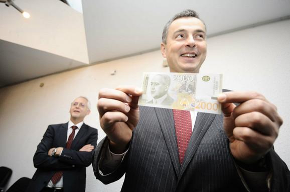 Sličan profil Milutinu Milankoviću imaju i likovi koji se nalaze na apoenima britanske funte i američkog i australijskog dolara