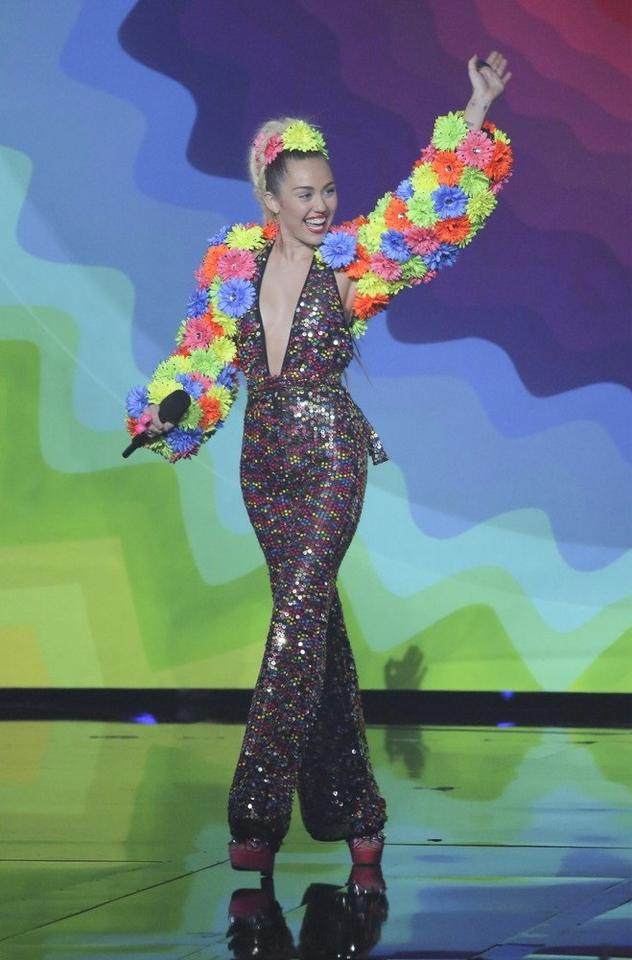 MTV Video Music Awards 2015: Miley Cyrus