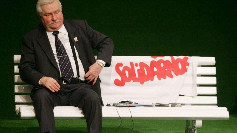 Wałęsa: Oddam Nobla, bo mi się nie należy