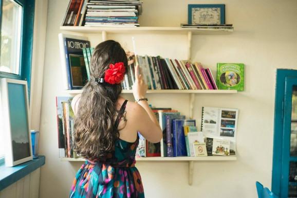 Ponosna je i na biblioteku koju je sama otvorila
