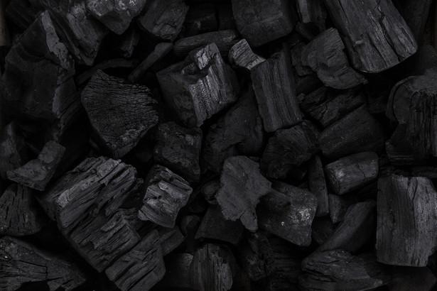 W ubiegłym roku dotknięte spadkiem sprzedaży kopalnie znacząco zmniejszyły wydatki na inwestycje