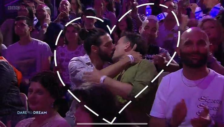 TVITER SE USIJAO OD KOMENTARA Gej poljubac na Evroviziji uživo emitovan na televiziji