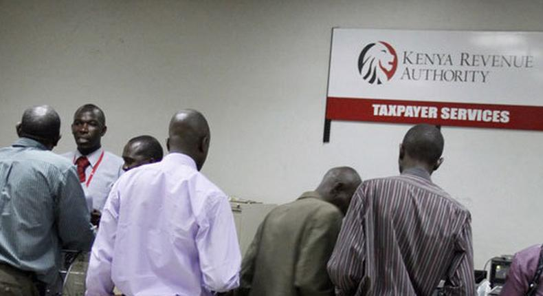 Taxpayers at a KRA help centre (Twitter)