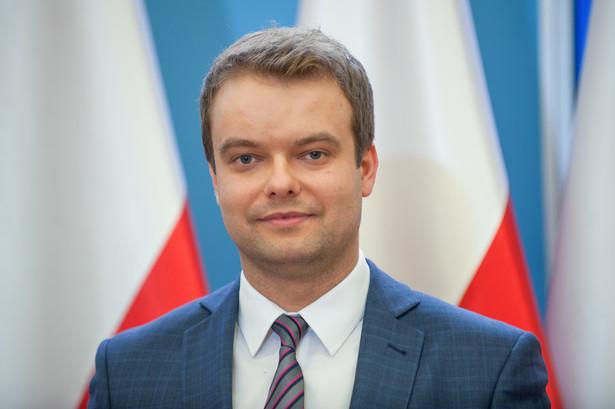 """Według Bochenka Komisja Wenecka w swojej opinii wskazała kierunki, jak """"należy pewien spór polityczny w Polsce rozładować i rozwiązać"""""""