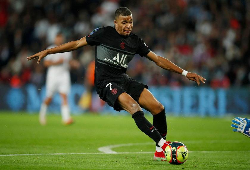 Kylian Mbappe (23 l.) to klasa światowa. W Ligue 1 strzelił 3 gole i ma 4 asysty, ale Frankowski niewiele mu ustępuje w statystykach.
