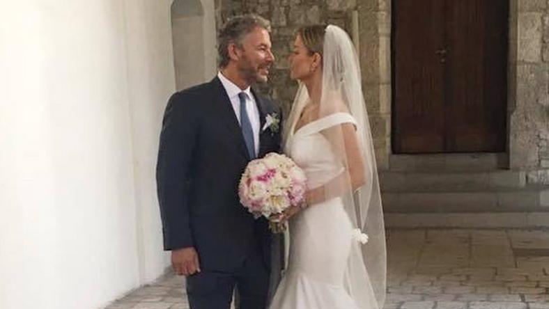d01018e83f Joanna Krupa wzięła ślub! Pokazała zdjęcie. Suknia ślubna to HIT ...