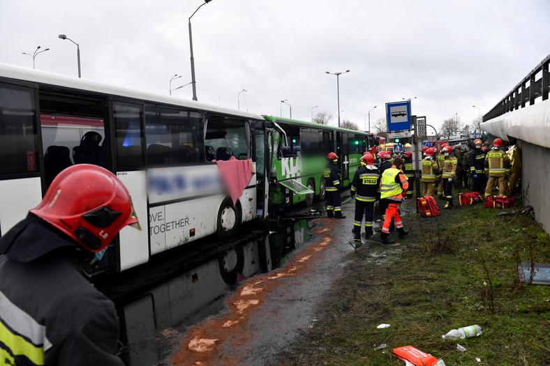 Wypadek autobusów w Szczecinie. Ranni żołnierze