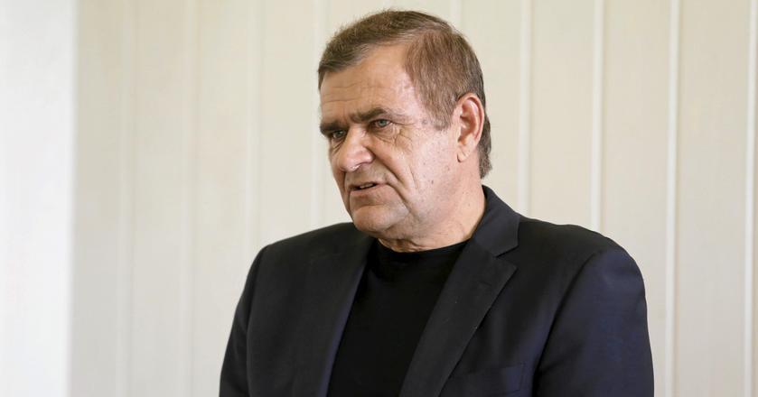 Roman Karkosik zapowiedział wycofanie spółek z GPW i realizuje swój plan