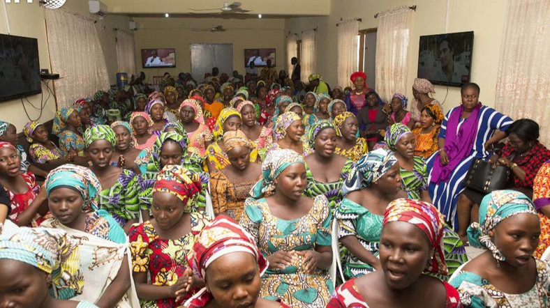 A cross section of the released Chibok girls. (Guardian)