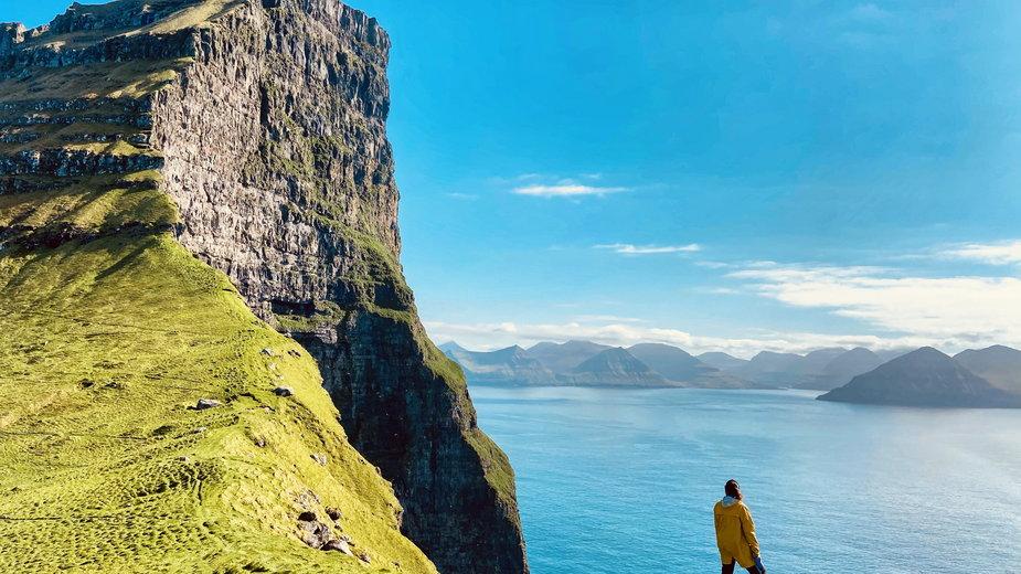 Spektakularne klify na wyspie Kalsoy, 2020