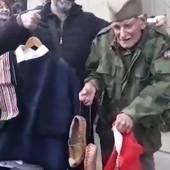 Deda Đorđe ga je ODUŠEVIO, pa se ovaj Aranđelovčanin vratio na Zejtinlik i doneo mu NESVAKIDAŠNJI POKLON (VIDEO)