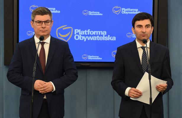 Posłowie PO Jan Grabiec i Marek Wójcik, PAP/Radek Pietruszka