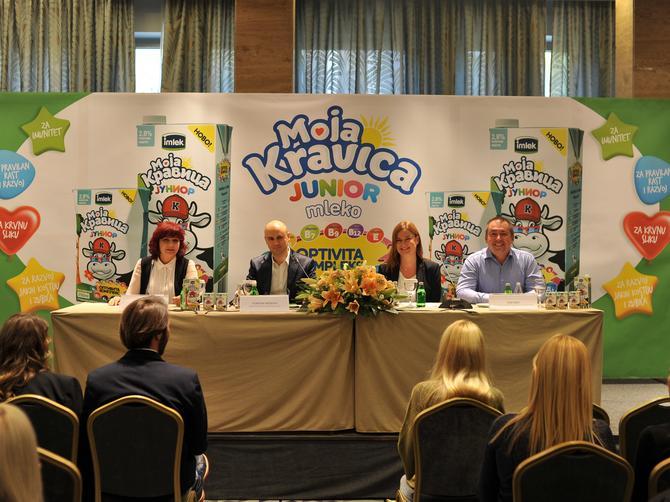 Predstavljeno prvo mleko za decu na tržištu Srbije: Moja Kravica Junior mleko sa Optivita kompleksom vitamina za pravilan rast i razvoj dece