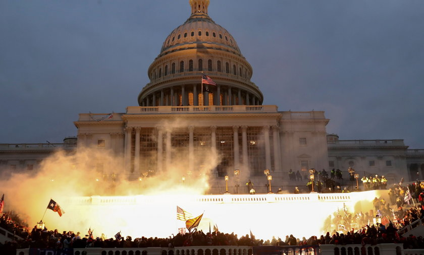 FILE PHOTO: FILE PHOTO: Supporters of U.S. President Donald Trump protest in Washington