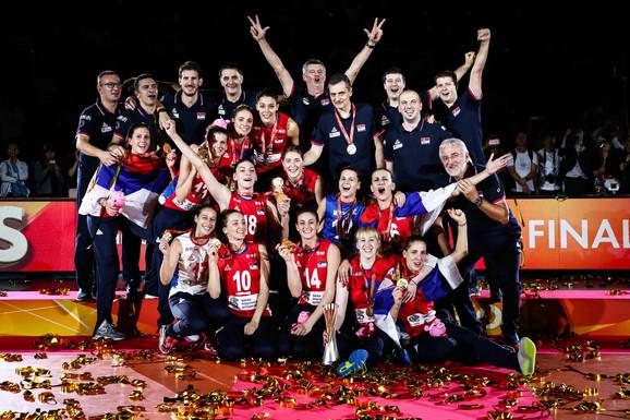 ženska odbojkaška reprezentacija Srbije slavi svetsku titulu u Japanu
