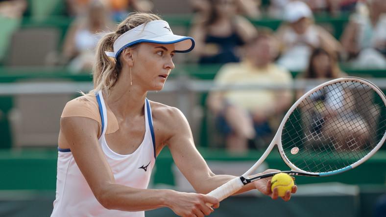 Belgijka Maryna Zanevska w pojedynku ze Słowaczką Kristiną Kucovą