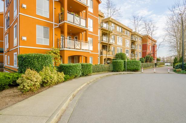 Już nie tylko miasta, lecz także powiaty mają problem z roszczeniami byłych właścicieli nieruchomości.
