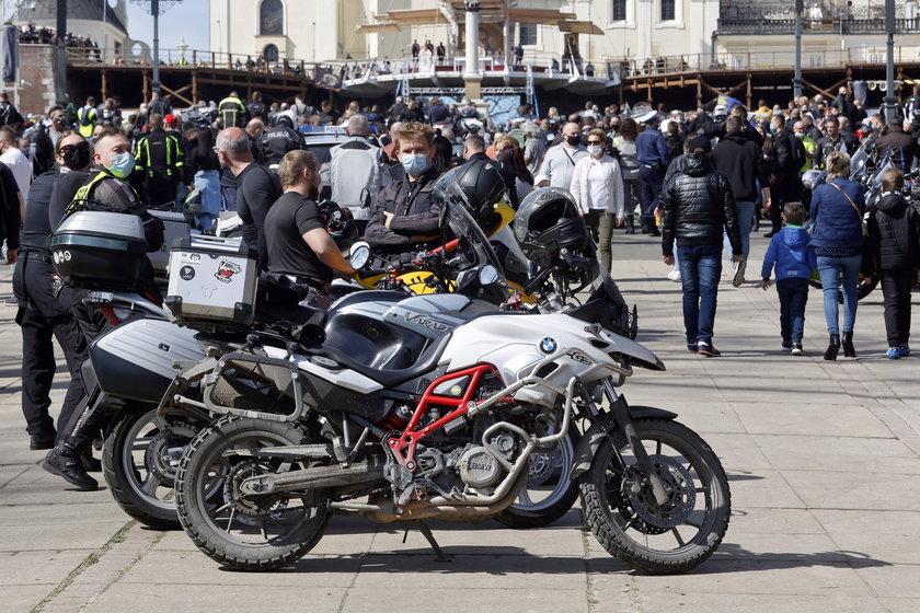 Pandemia koronawirusa, a na Jasnej Górze zlot motocyklistów. Organizatorzy komentują
