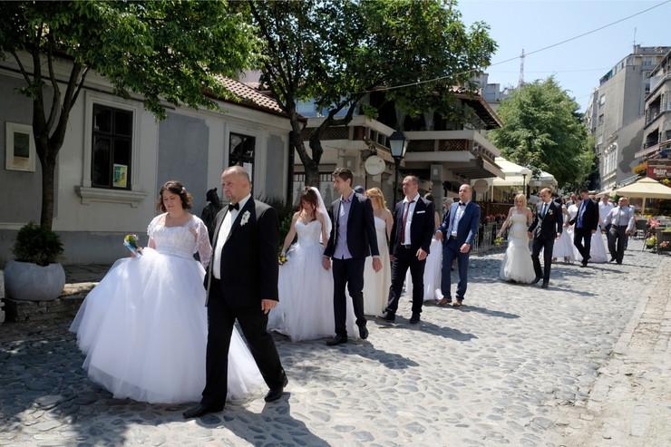 Kolektivno venčanje je uvek u maju