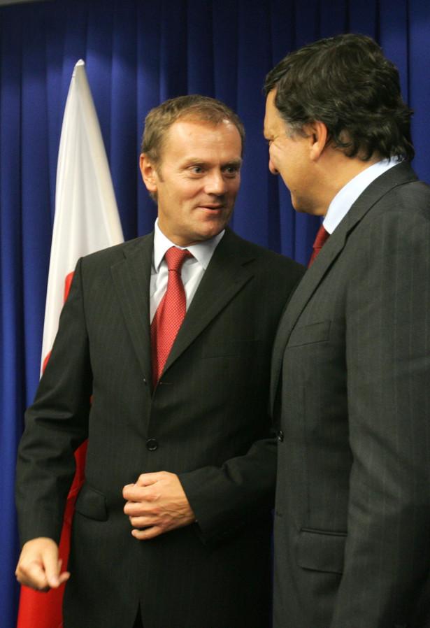 """""""Czas dobiega końca, decyzje muszą być teraz podjęte"""" - powiedział Johannes Laitenberger, rzecznik Barroso, relacjonując dziennikarzom jego rozmowę z premierem Tuskiem."""