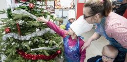 Minister wręczył dzieciakom prezenty