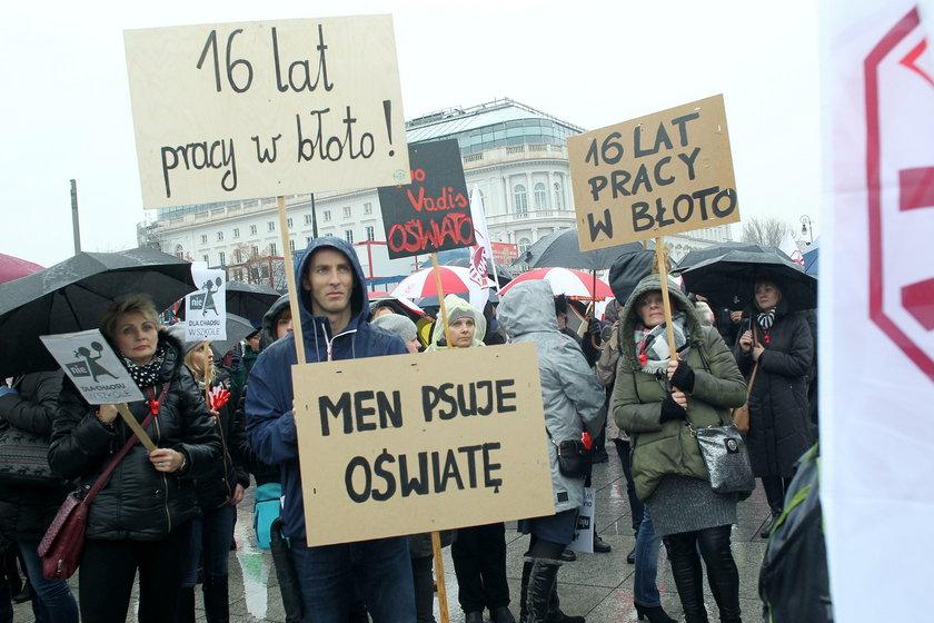 Protest nauczycieli.