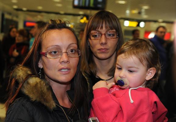Iz Tunisa, zahvaćenog neredima, na beogradski aerodrom je sleteo prvi avion sa srpskim turistima