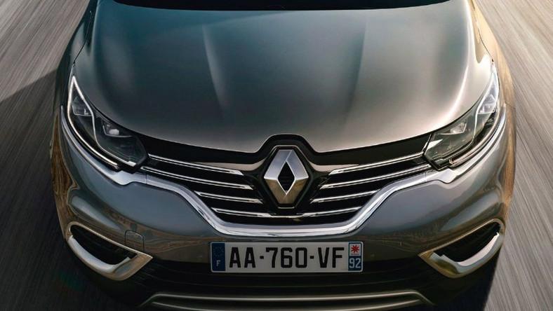 Nowy renault espace po 30 latach obecności w świecie motoryzacji nie jest przedstawiany jako van, ale jako crossover, czyli samochód krzyżujący auto miejskie właśnie z vanem i podniesionym zawieszeniem stosowanym w SUV-ach. Nowy model wyposażono w zawieszoną konsolę centralną - przynajmniej tak to opisują inżynierowie Renault. Na pokład zabierze pięć lub siedem osób. Espace zadebiutuje 2 października w czasie salonu samochodowego w Paryżu.
