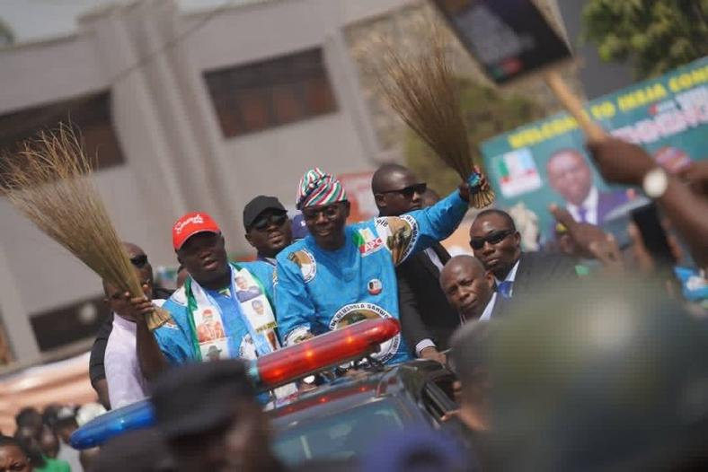 Outgoing Lagos Governor, Ambode, campaigns alongside Sanwo-Olu at the official flagoff of his campaign on Tuesday, January 8, 2019 (Sanwo-Olu campaign)